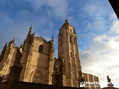 Destilería DYC y Ciudad de Segovia;belen buitrago;todo mochilas